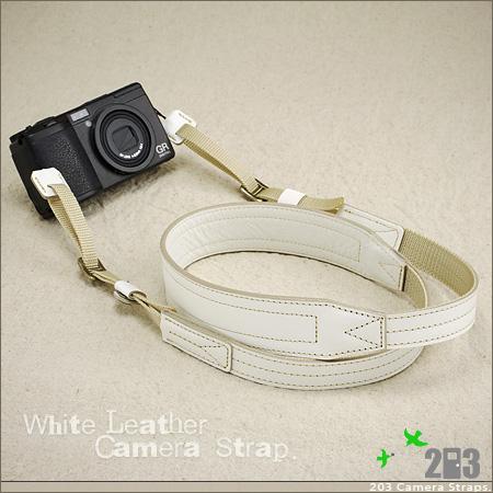 ホワイトレザー☆カメラストラップ