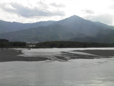 高越山吉野川