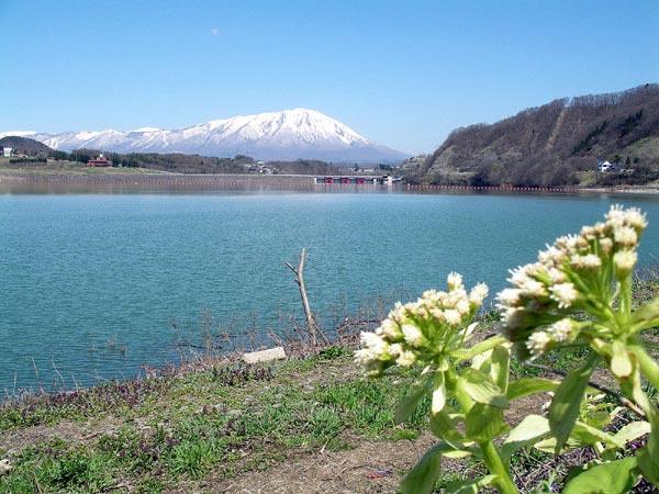 岩手山と御所ダム