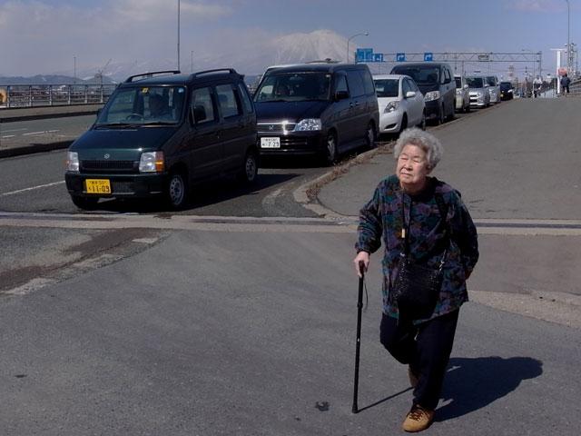 東北関東大震災七日目の給油渋滞