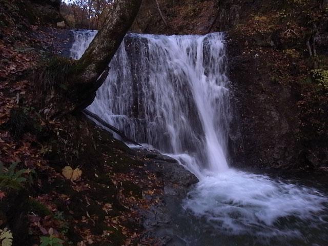 ぬさかけの滝