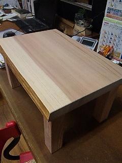 杉のキッズローテーブル (1)