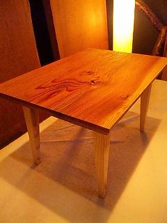 大人のためのミニローテーブル - スギ