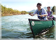 <カヌー体験>ニセコ連峰と羊蹄を望み、水面を滑るようにのんびりと下ります