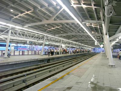 ウォンウィアン・ヤイ駅