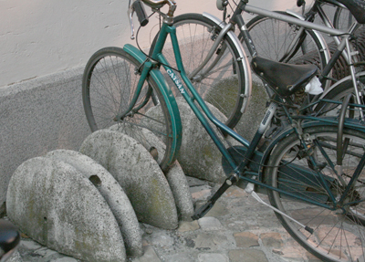 イタリア 自転車止め