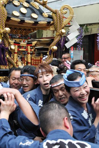 5月16日・浅草三社祭にて
