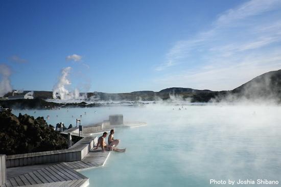 巨大温泉ブルー・ラグーン