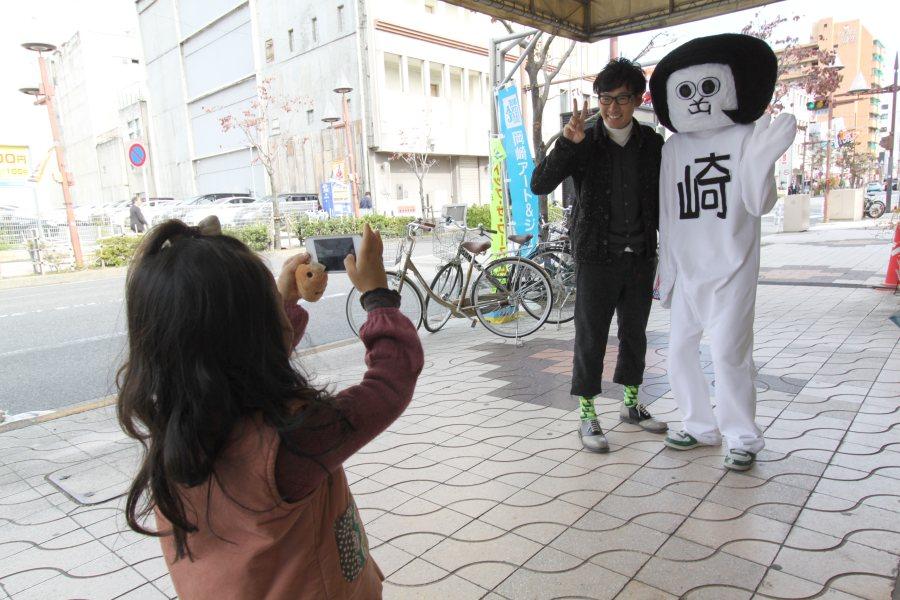 記念撮影 with オカザえもん at インフォーメーション