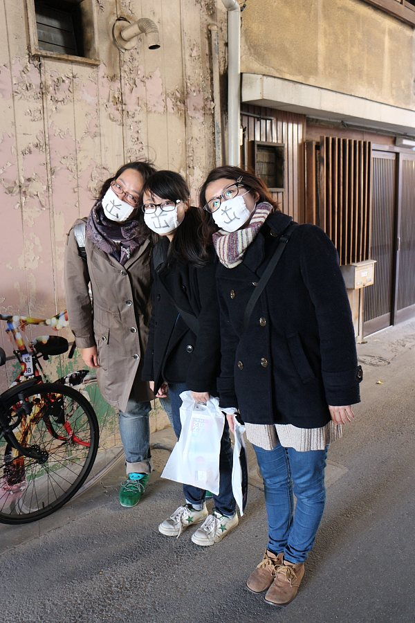 松本町アーケードにて。