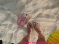 前浜ビーチは白くて細かい砂〜。