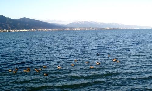 琵琶湖と比良山