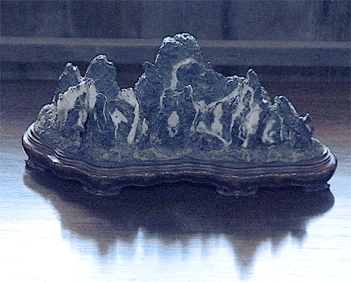 古谷石(残雪)
