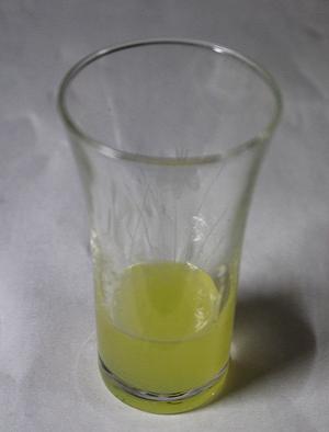 スダチの搾り汁