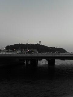 R134と江ノ島