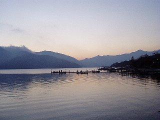 夕暮れの中禅寺湖・2