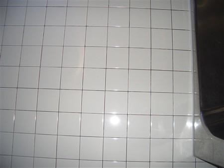 お風呂のタイル壁掃除後