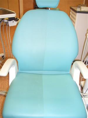 診療用の椅子クリーニング