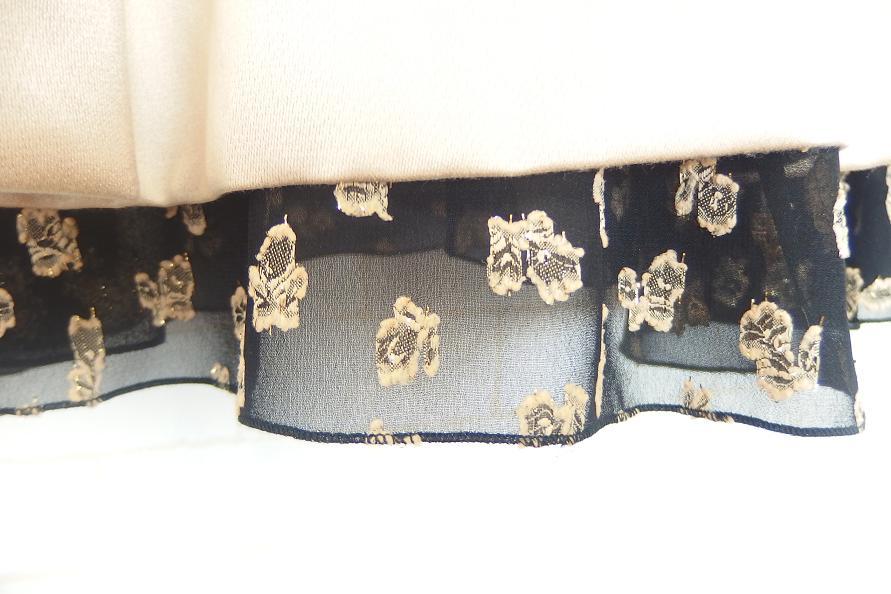 シルクコットン薔薇レースワンピース裾