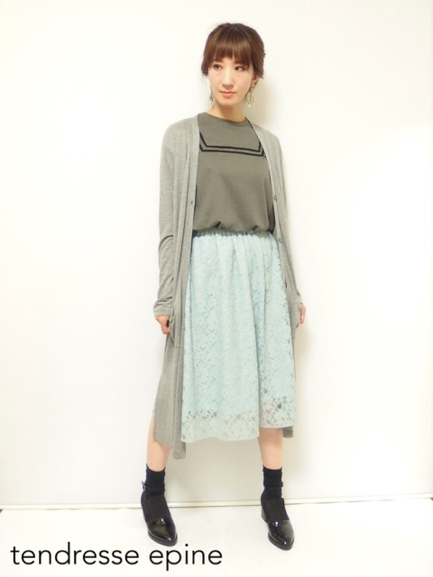 大人ガーリー系ファッション通販テンドレスエピーヌ レーススカートコーディネート