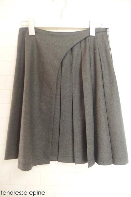 大人ガーリー系ファッション通販テンドレスエピーヌ アシンメトリープリーツウールスカート 商品写真