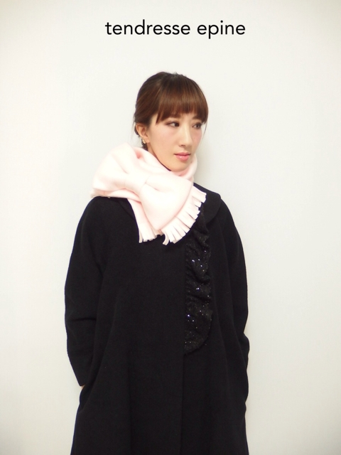 大人ガーリー系ファッション通販テンドレスエピーヌ リボンマフラーコーディネート