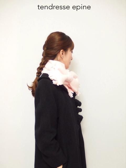 大人ガーリー系ファッション通販テンドレスエピーヌ フリースリボンマフラー 着画