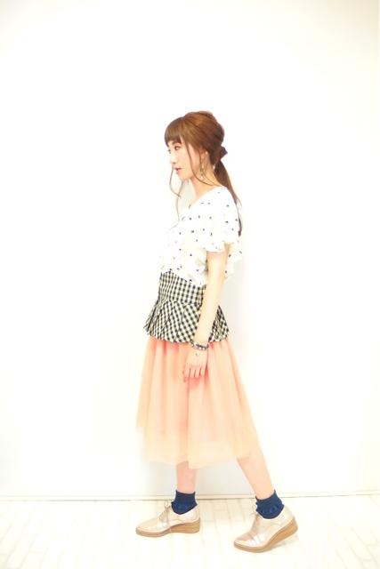 大人ガーリーファッション通販テンドレスエピーヌ チュールスカート コーディネート