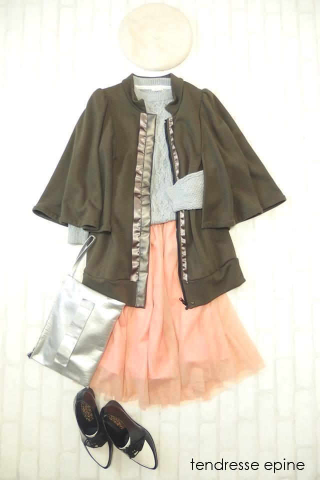 大人ガーリーファッション テンドレスエピーヌ マント ケープ スタイリングPA130107.JPG