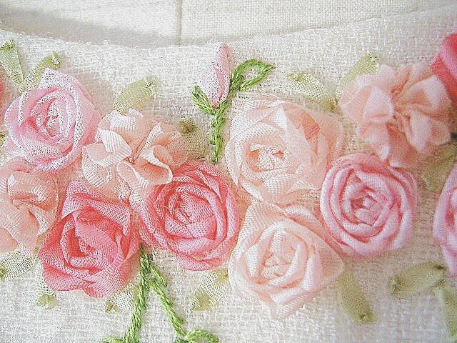 白ワンピース,リボン刺繍