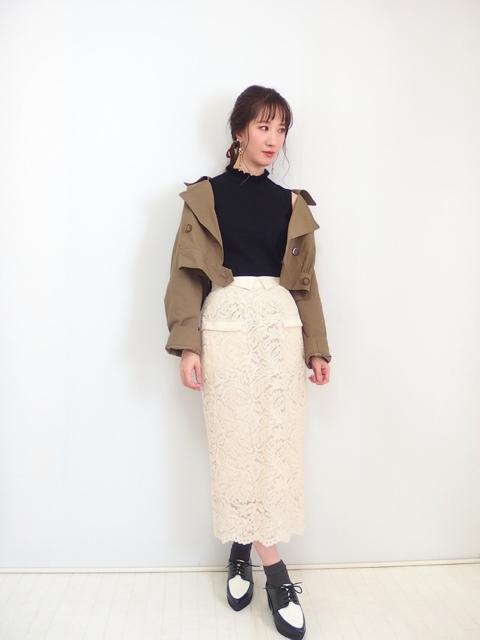 大人フェミニンファッション30代,レース素材のタイトスカート