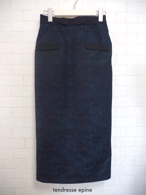 オーバーレースタイトスカート,大人フェミニンファッション