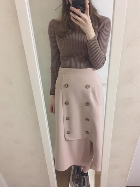 大人フェミニンファッション,コーディネート,アシメトレンチスカート