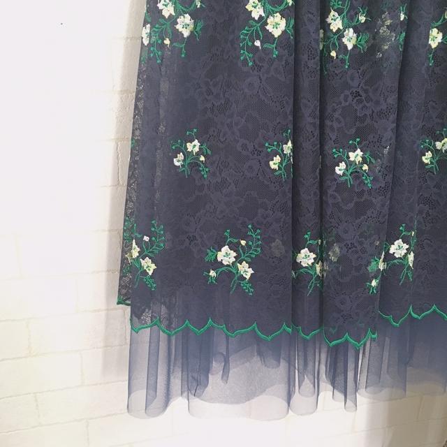 お花刺繍レースのチュールスカート