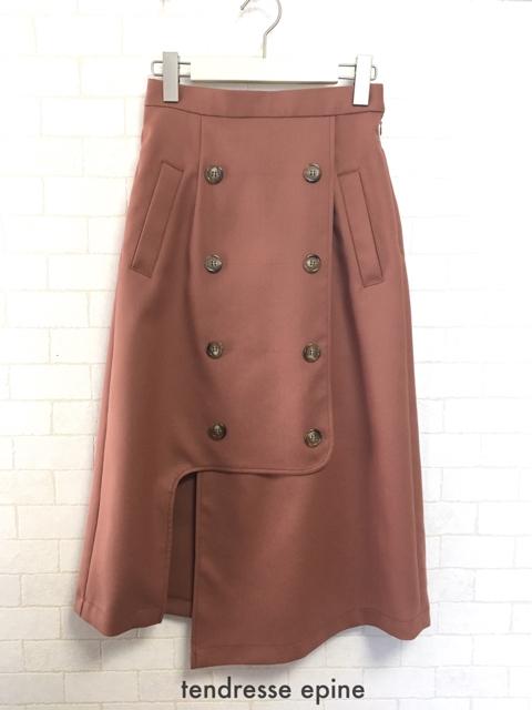 大人フェミニンカジュアル,30代,トレンチ風アシメスリットスカート