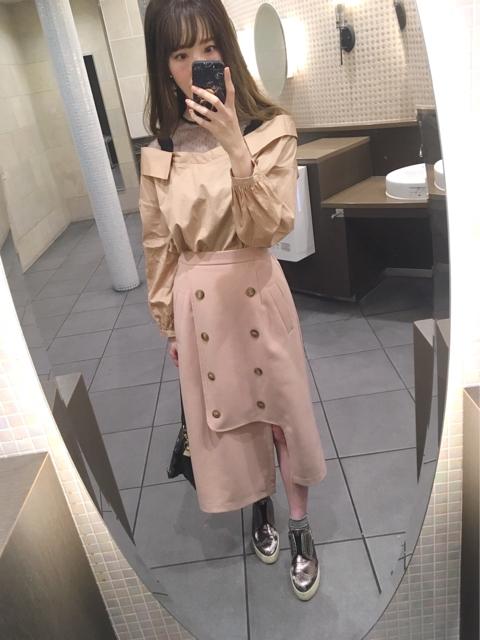大人フェミニンファッション,30代,トレンチ風アシメスリットスカートのコーディネート