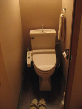 八景のトイレ