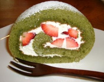 緑茶のロールケーキ