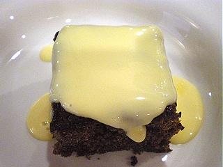 チョコレートケーキカスタードクリーム
