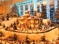 すべてチョコとパンで作られたクリスマスオブジェ