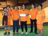 フットサル大会に参戦したMOメンバー(左から2番目がMLOS)
