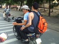 のび太とバイクに乗るゴリ