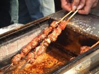 スパイシーな羊肉の串焼き