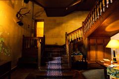 シャトー・ド・ラ・ヴェルリーのゲスト用玄関内部