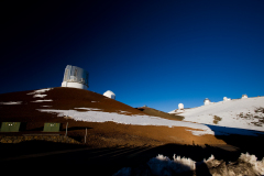 世界各国の天文台が並ぶハワイ島マウナケア山頂