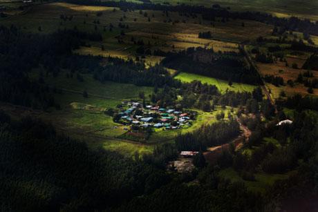 ハワイ島空撮、上空から見た集落、街、村、民家