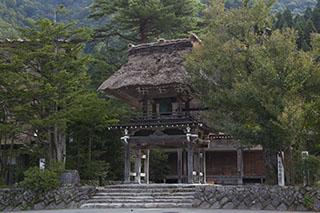 世界遺産・白川郷・明善寺の鐘楼台