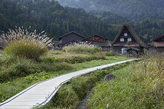 世界遺産・白川郷・村内の散策路