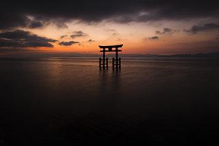 白髭神社の水中大鳥居,滋賀県