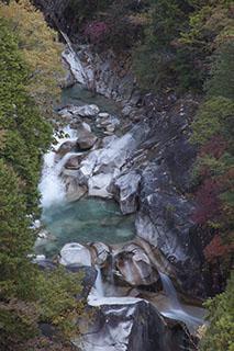 南木曽、木曽路、柿其渓谷、紅葉、ねじだる、螺子滝